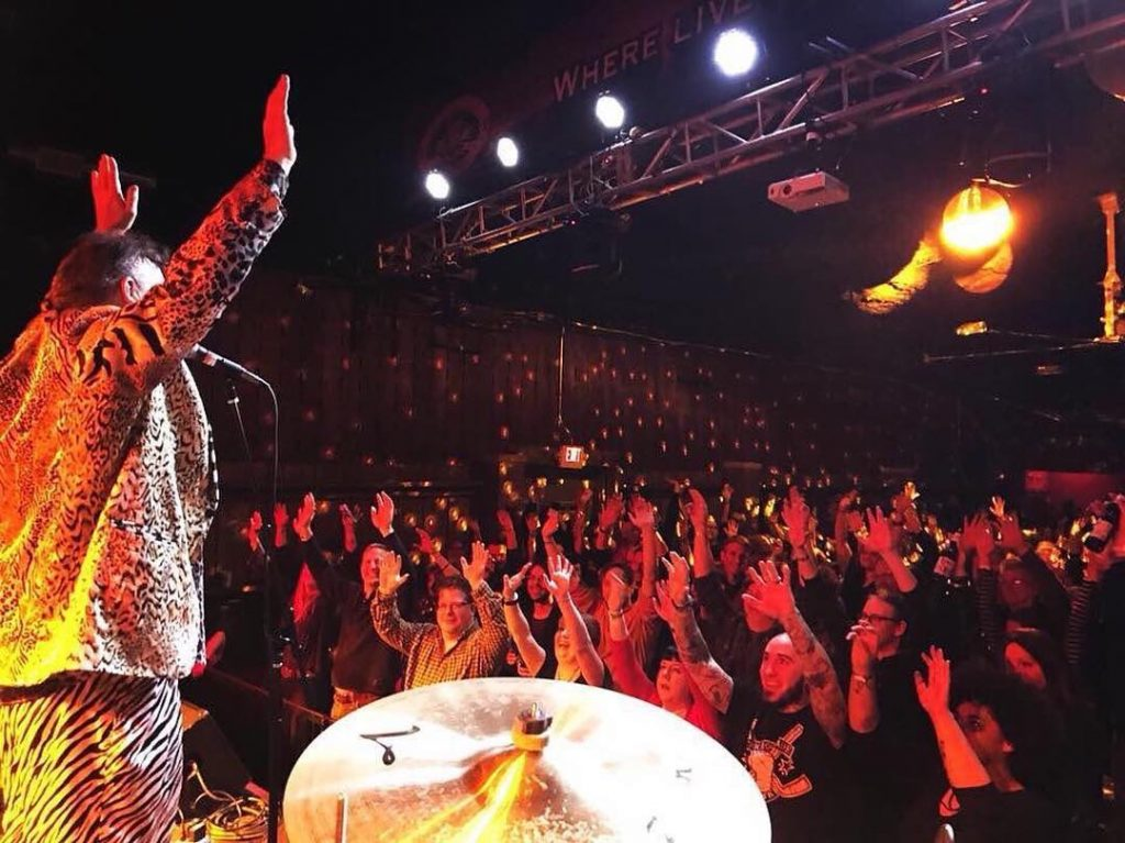 Red ELvises Stage crowd